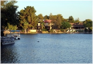 Locate all foreclosed homes on Lake Norman and all foreclosed homes on Lake Wyle