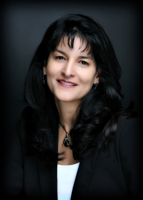Marvelia Juarez, Bilingual Realtor