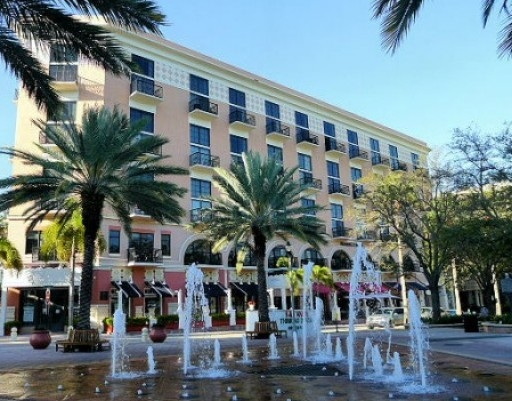 Downton West Palm Beach Fountains