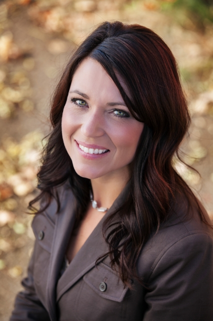 Alisha Wolfe, Principal Broker