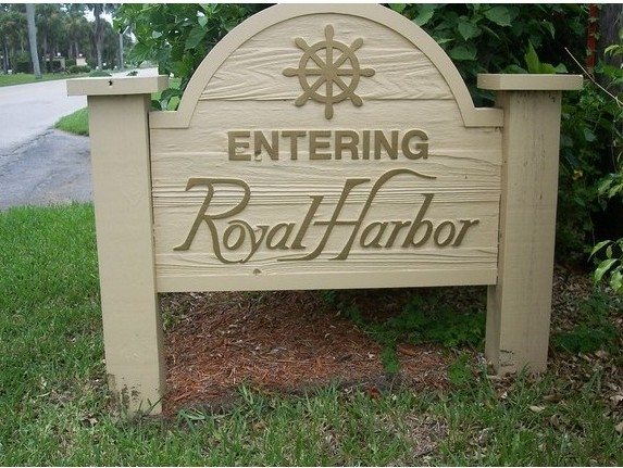 Royal Harbor - Naples