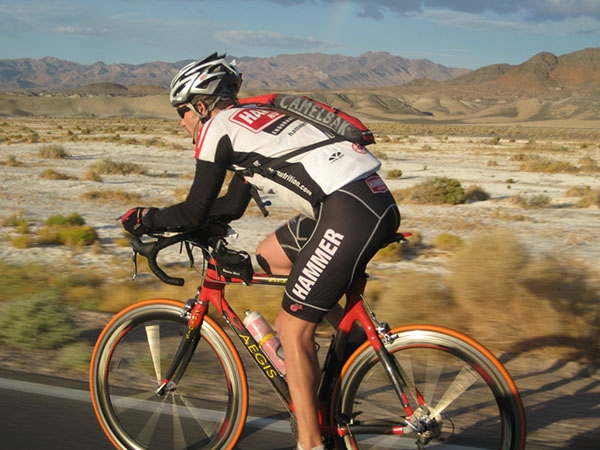 Charles Olson competeing in the Furnace Creek 508