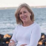 Maureen  Mills