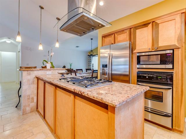 Photo of home for sale at 5712 GARDEN OAKS DR, Austin TX