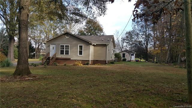 Photo of home for sale at 147 Mardon Lane, Statesville NC