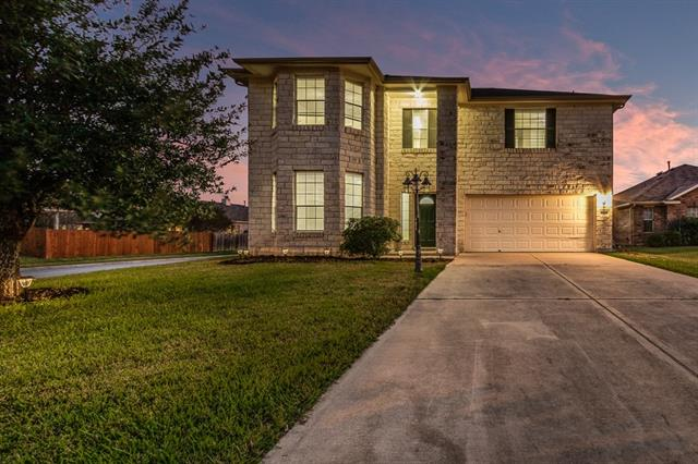 Photo of home for sale at 11109 Barn Owl DR, Austin TX