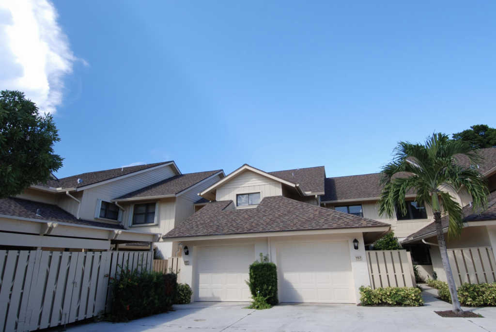 Photo of home for sale at 16942 Waterbend Drive, Jupiter FL