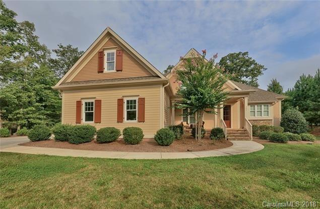Photo of home for sale at 104 Bunker Way, Mooresville NC