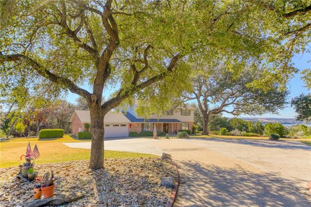 Photo of home for sale at 511 Lakeland CIR, Point Venture TX