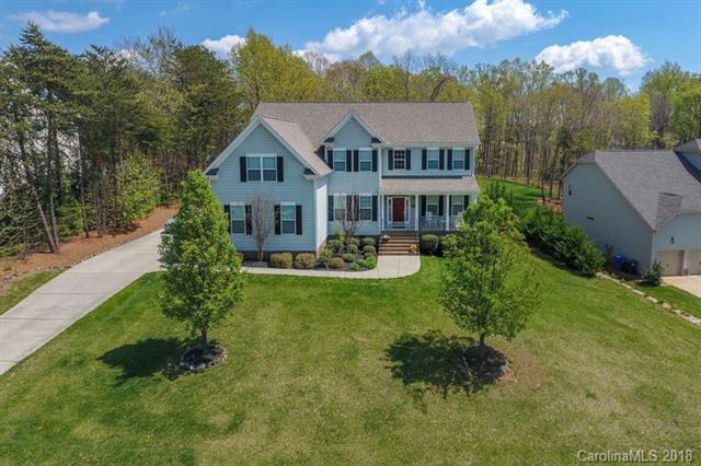 Photo of home for sale at 352 Cove Creek Loop, Mooresville NC