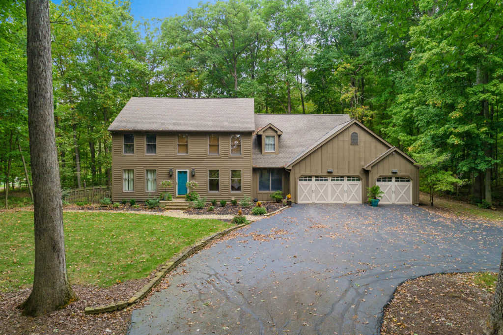 Photo of home for sale at 17960 Boerger Road, Marysville OH