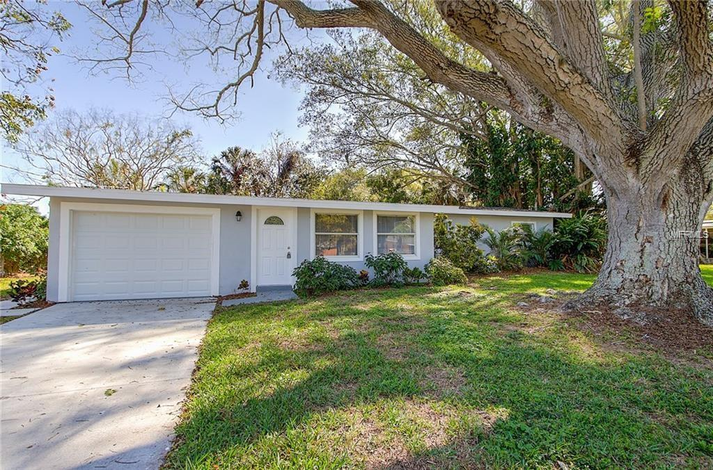 Photo of home for sale at 203 21ST STREET, Bradenton FL
