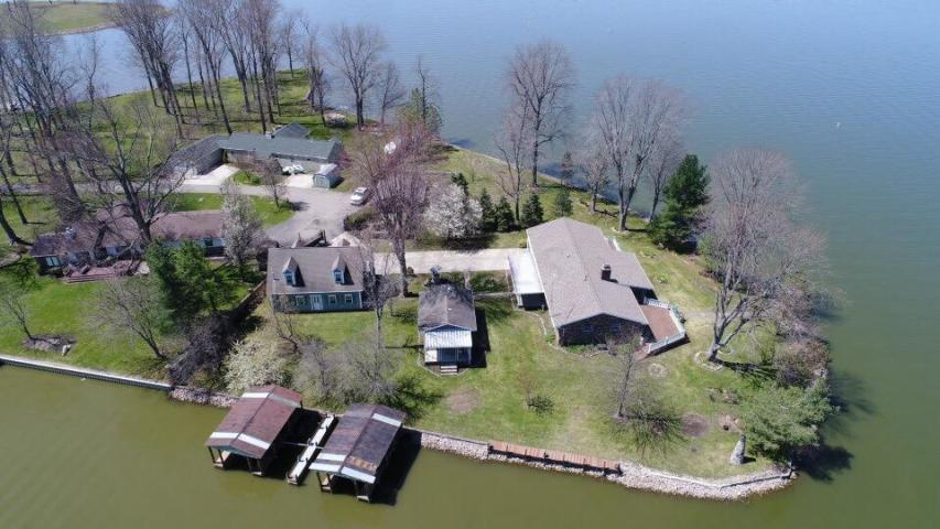 Photo of home for sale at 11576 Honey Creek Road, Thornville OH