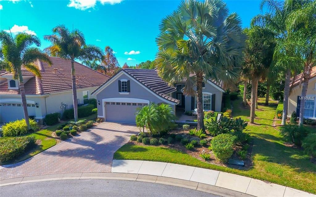Photo of home for sale at 7608 WINDWARD COVE, Lakewood Ranch FL