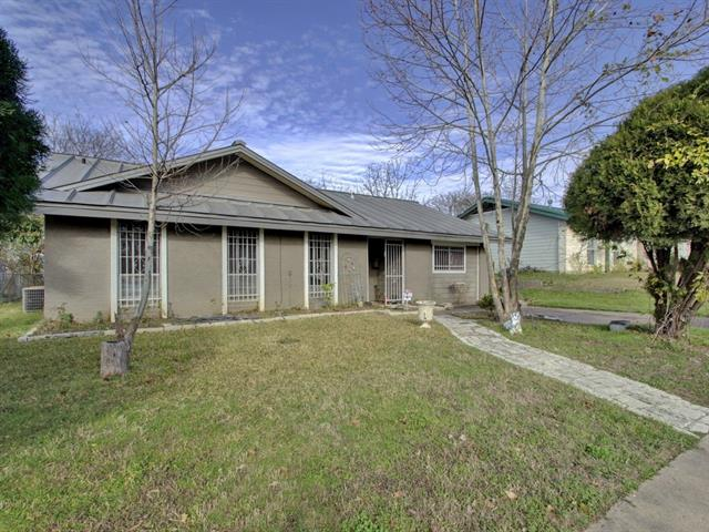 Photo of home for sale at 9716 Dallum DR, Austin TX