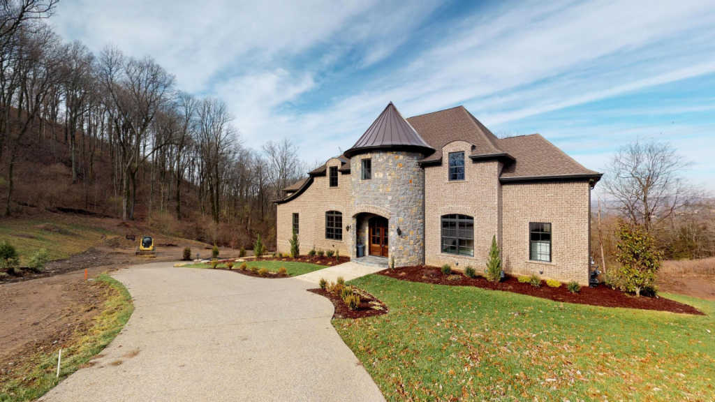 Photo of home for sale at 514 Legends Ridge Ct, Franklin TN