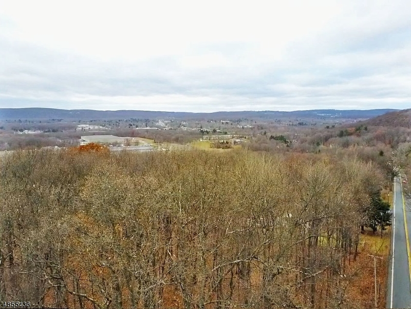 Photo of home for sale at 1518 Sussex Turnpike, Randolph Twp. NJ