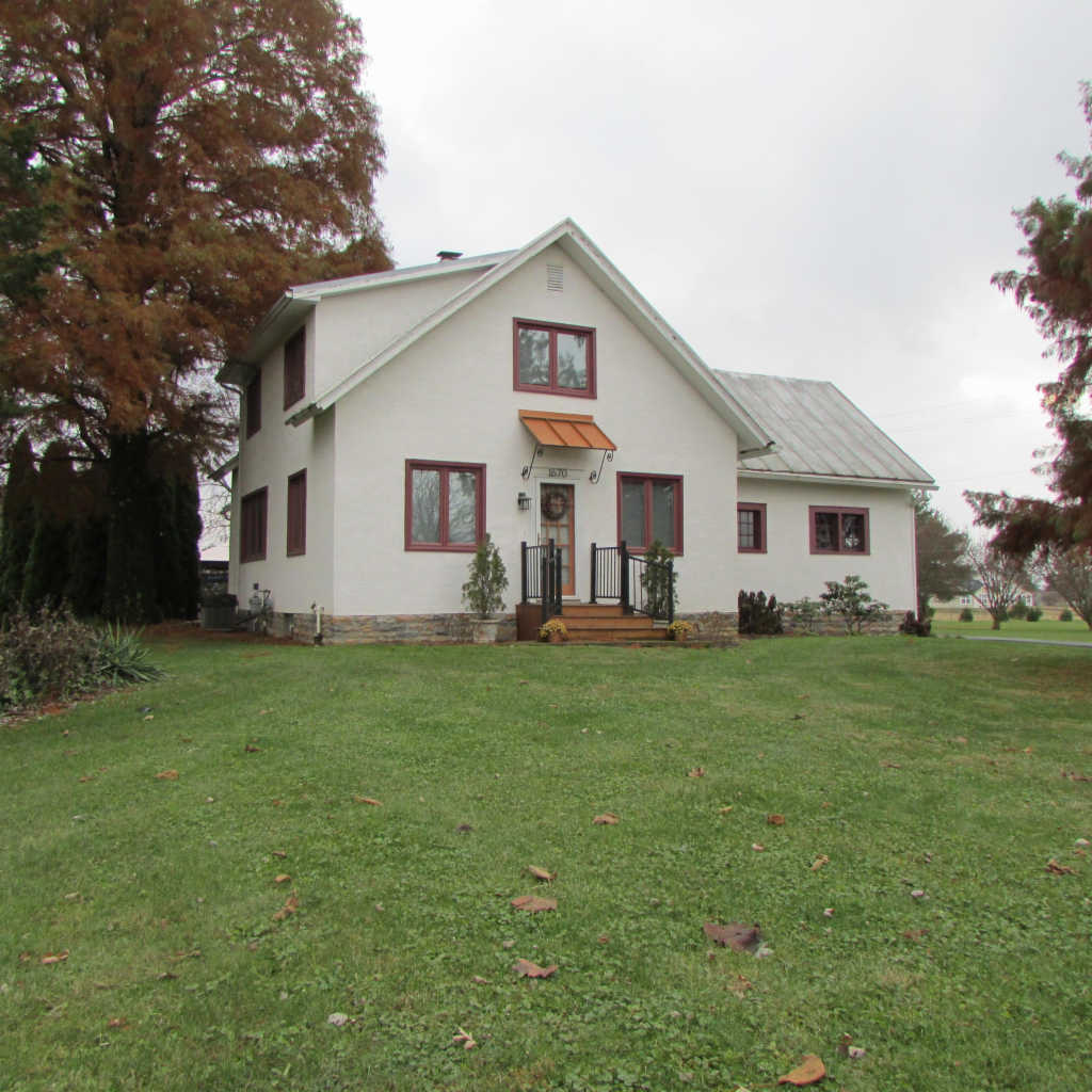 Photo of home for sale at 1670 Cheshire Road, Delaware OH