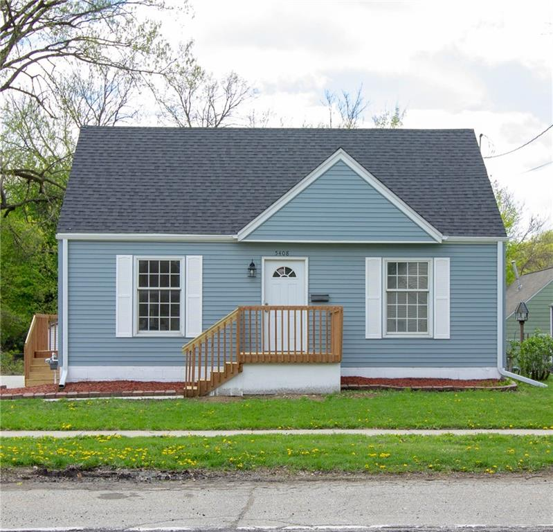 Photo of home for sale at 5408 Franklin Avenue, Des Moines IA