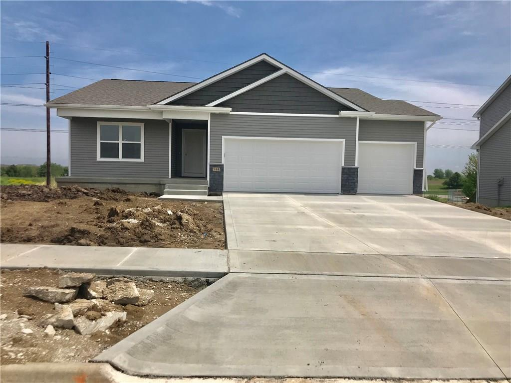 Photo of home for sale at 744 26th Street E, Newton IA