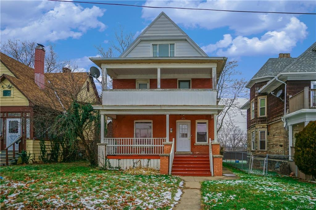 Photo of home for sale at 1634 8th Street, Niagara Falls NY