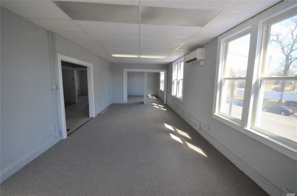 Photo of home for sale at 162-42 Pidgeon Meadow Rd, Flushing NY
