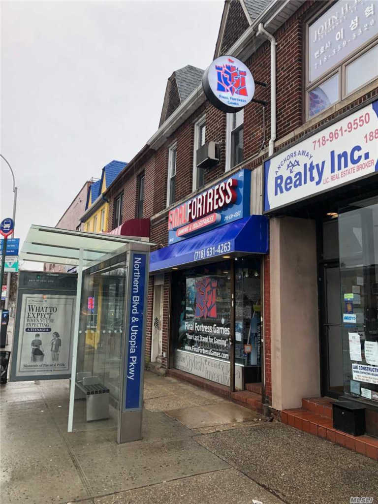 Photo of home for sale at 188-08 Northern Blvd, Flushing NY