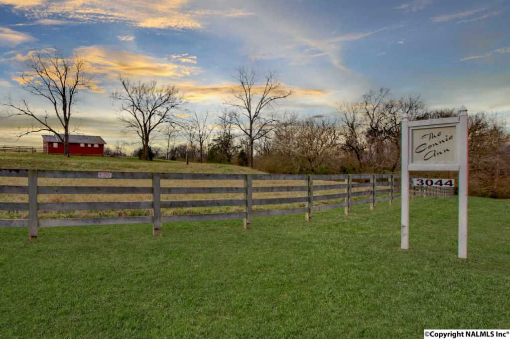 Photo of home for sale at 3044 Lewisburg Hwy, Petersburg TN