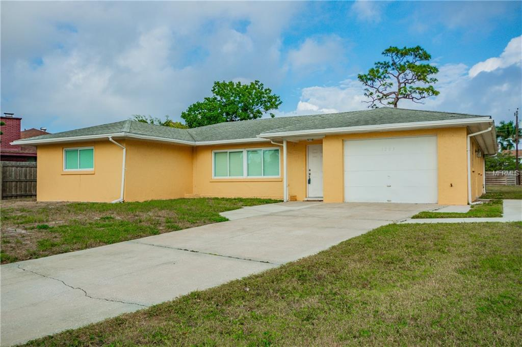 Photo of home for sale at 1203 DE NARVAEZ AVENUE, Bradenton FL