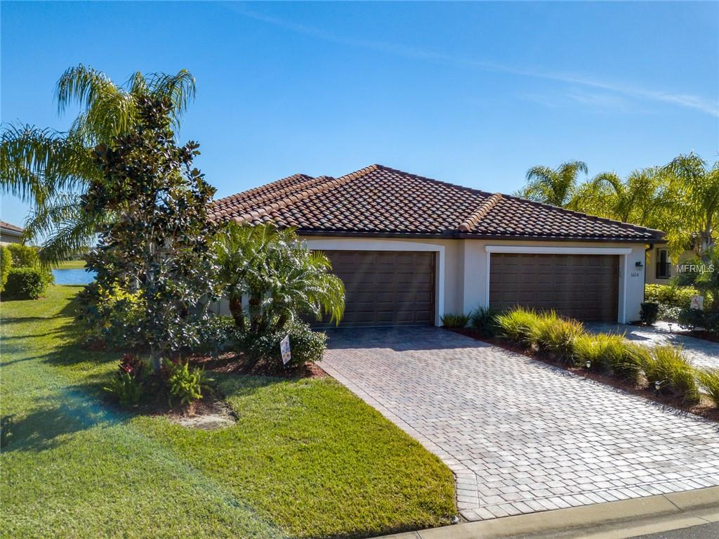Photo of home for sale at 6628 CANDLESTICK DRIVE, Bradenton FL