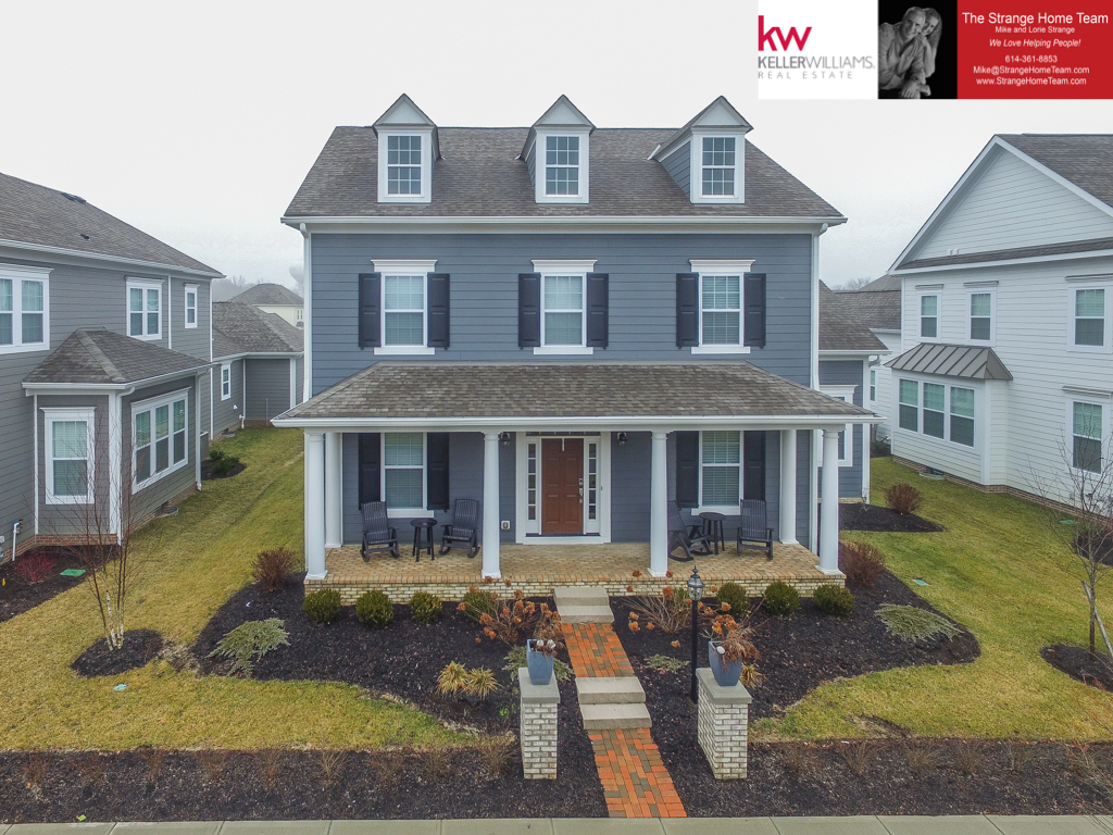 Photo of home for sale at 6778 Baronet Boulevard, Dublin OH