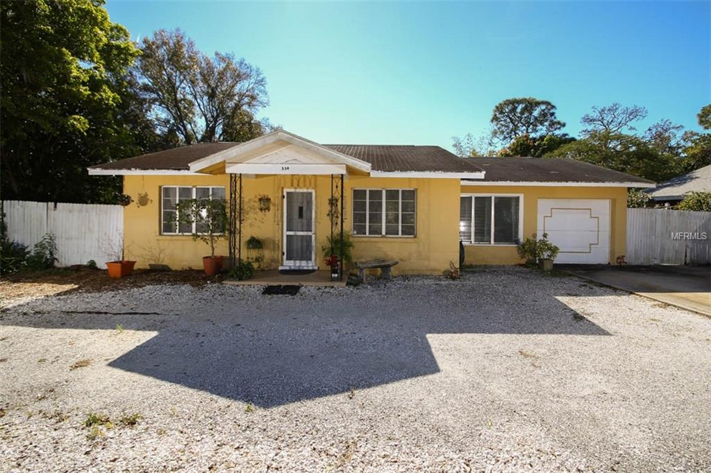 Photo of home for sale at 554 EDWARDS DRIVE, Sarasota FL