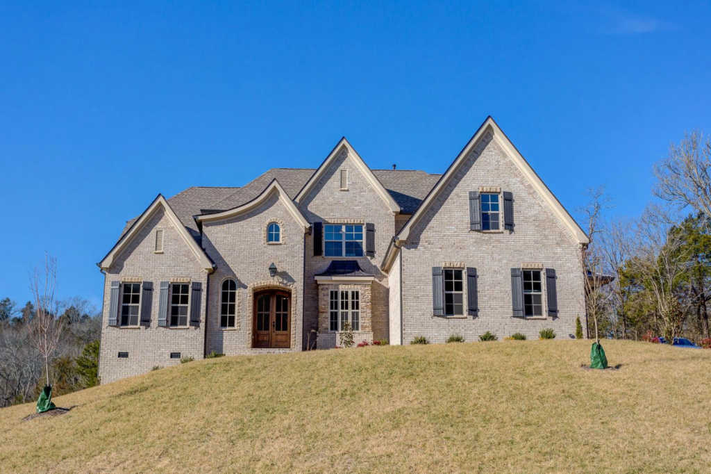 Photo of home for sale at 1887 Barnstaple Ln, Brentwood TN