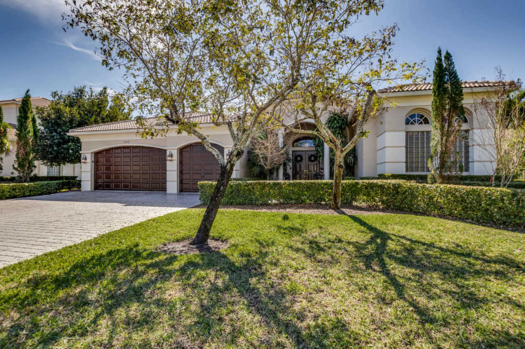 Photo of home for sale at 12512 Equine Lane, Wellington FL