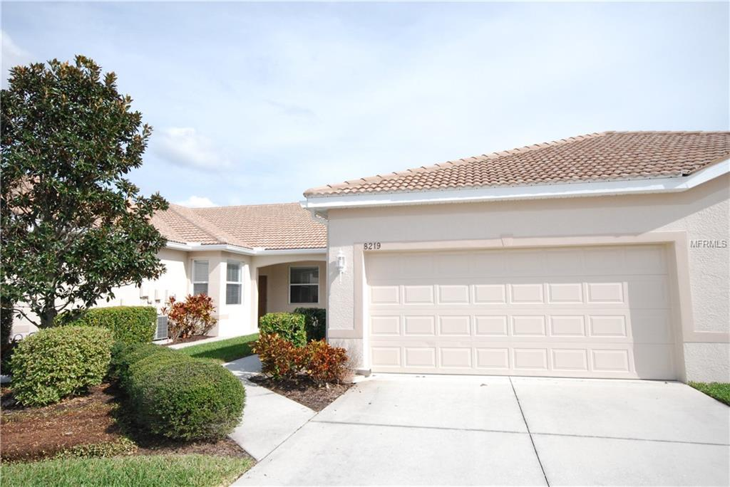 Photo of home for sale at 8219 SIMPSON FALLS COURT, Sarasota FL