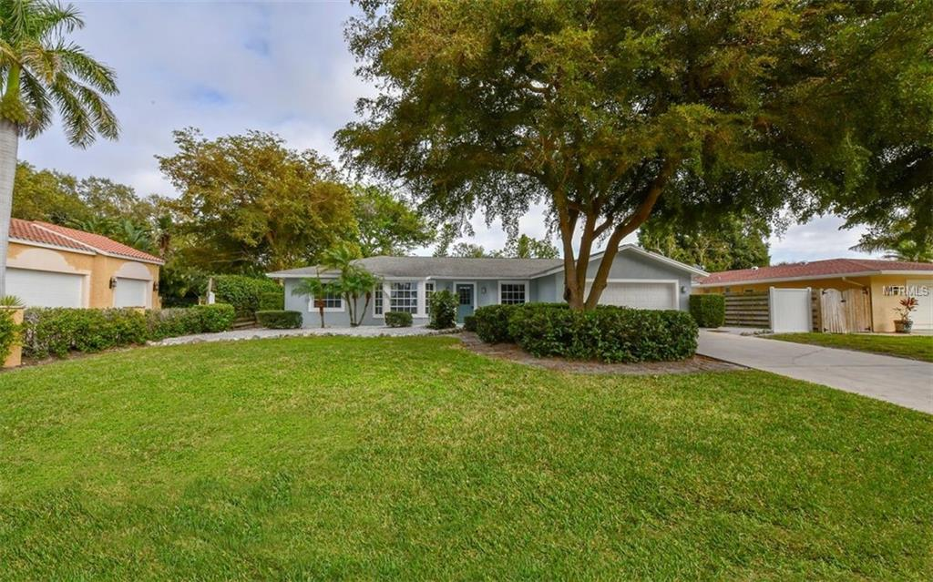 Photo of home for sale at 6401 HOLLYWOOD BOULEVARD, Sarasota FL