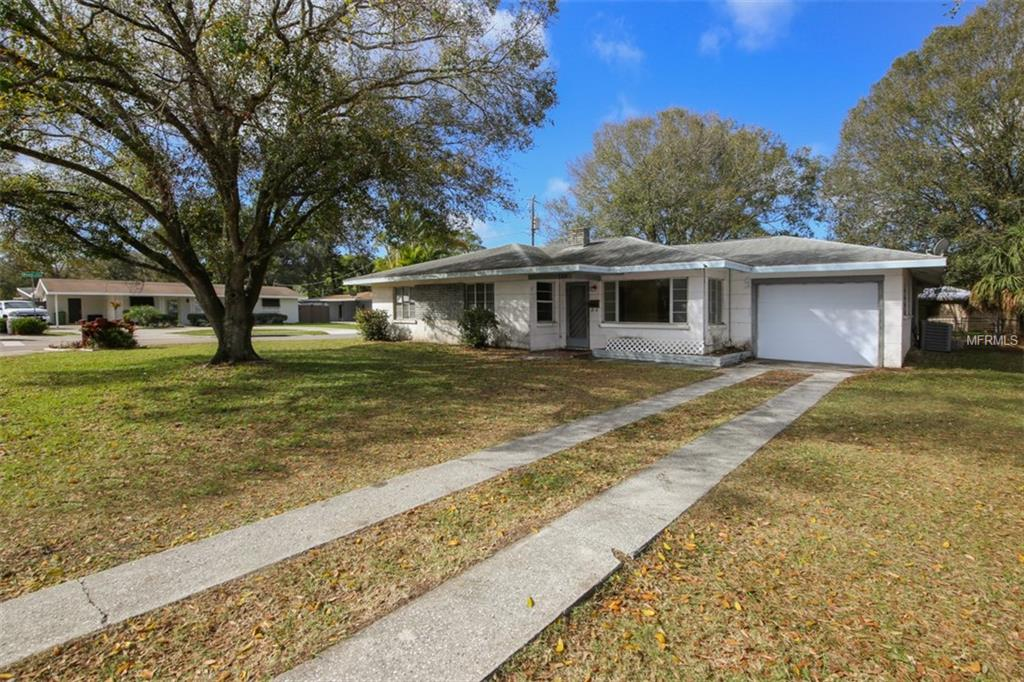 Photo of home for sale at 768 TUTTLE AVENUE S, Sarasota FL