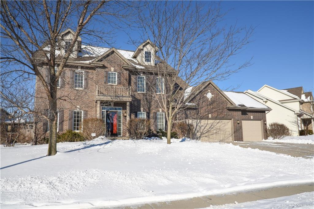 Photo of home for sale at 3208 152nd Street, Urbandale IA