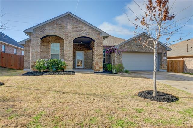 Photo of home for sale at 121 Headwaters DR, Bastrop TX