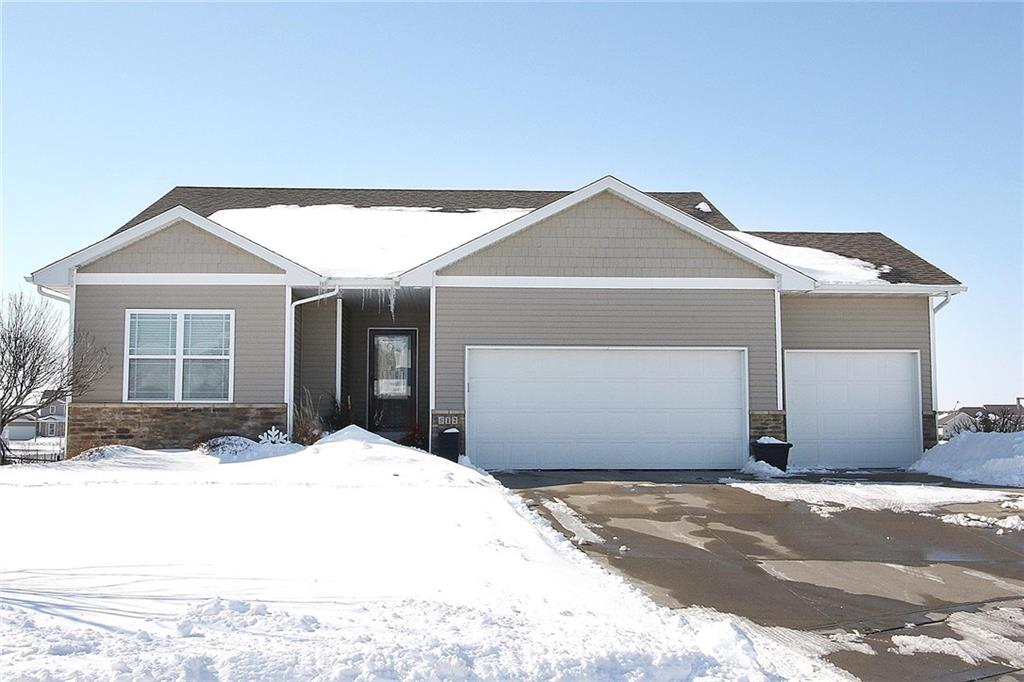 Photo of home for sale at 512 Benjamin Court NW, Ankeny IA