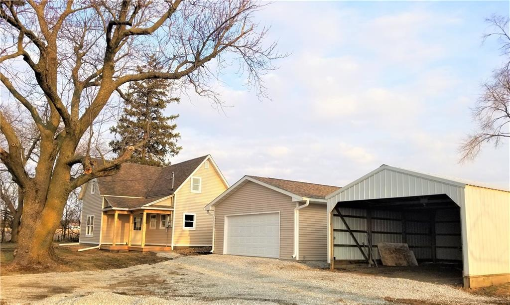Photo of home for sale at 1039 G76 Highway, Knoxville IA