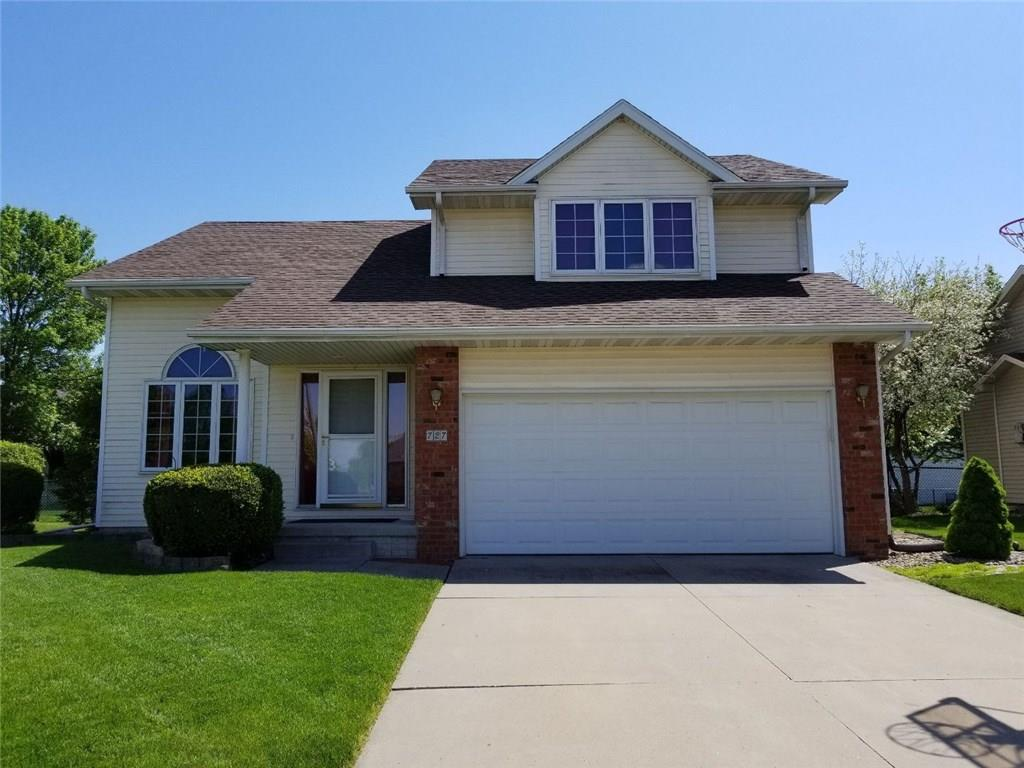 Photo of home for sale at 727 Kensington Road SE, Ankeny IA