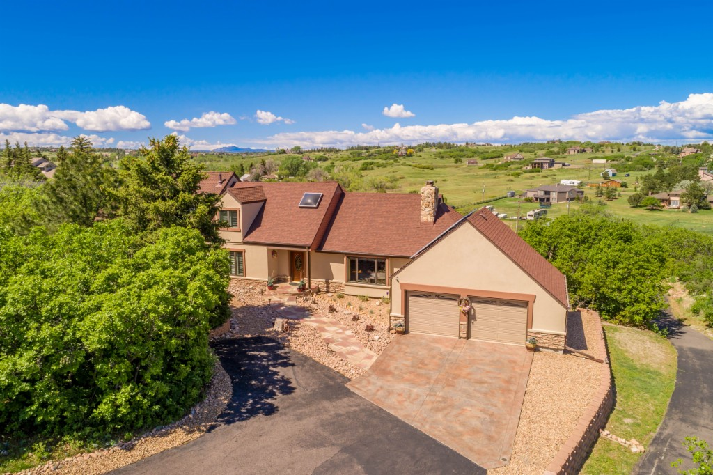 9053 Clydesdale Road, one of homes for sale in Castle Rock
