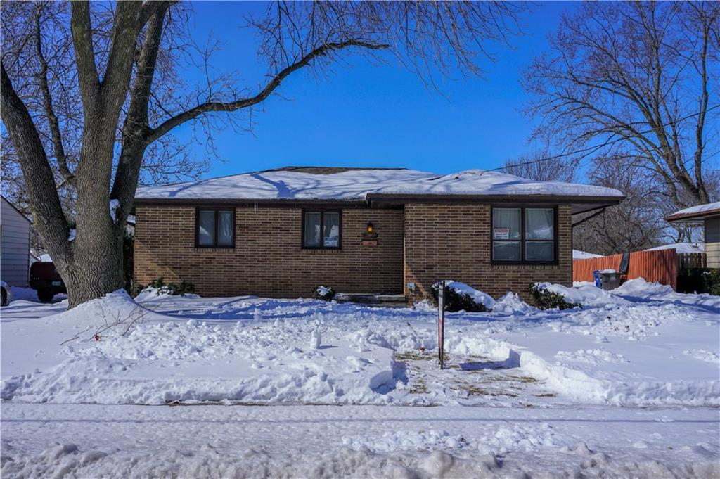 Photo of home for sale at 2814 39th Street E, Des Moines IA