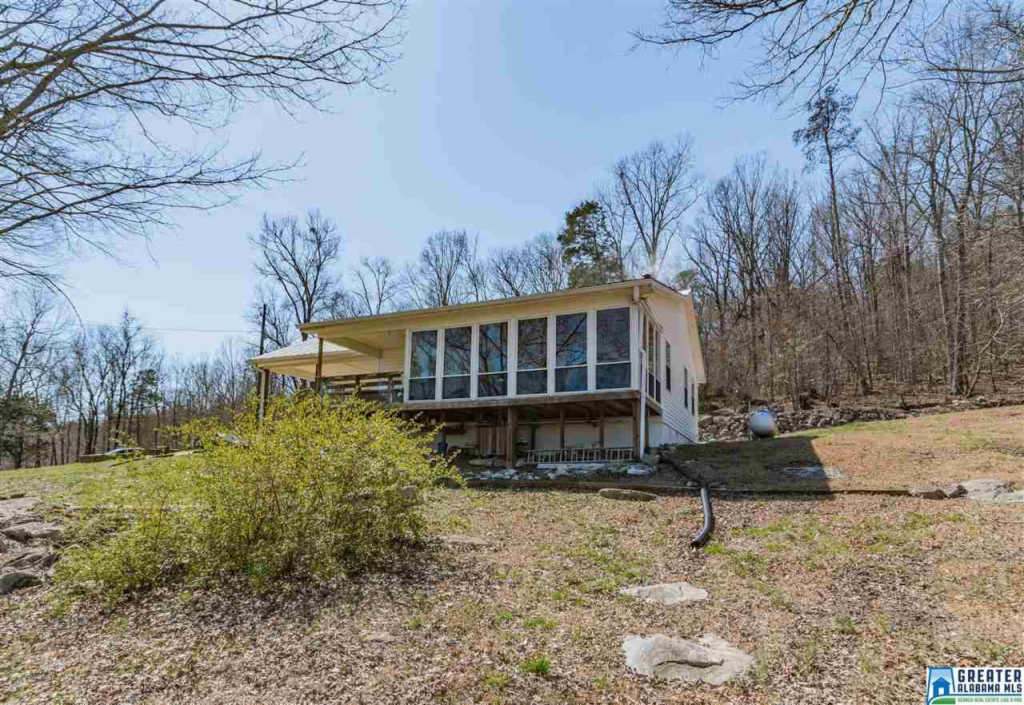 Photo of home for sale at 2785 Co Rd 9, Hayden AL