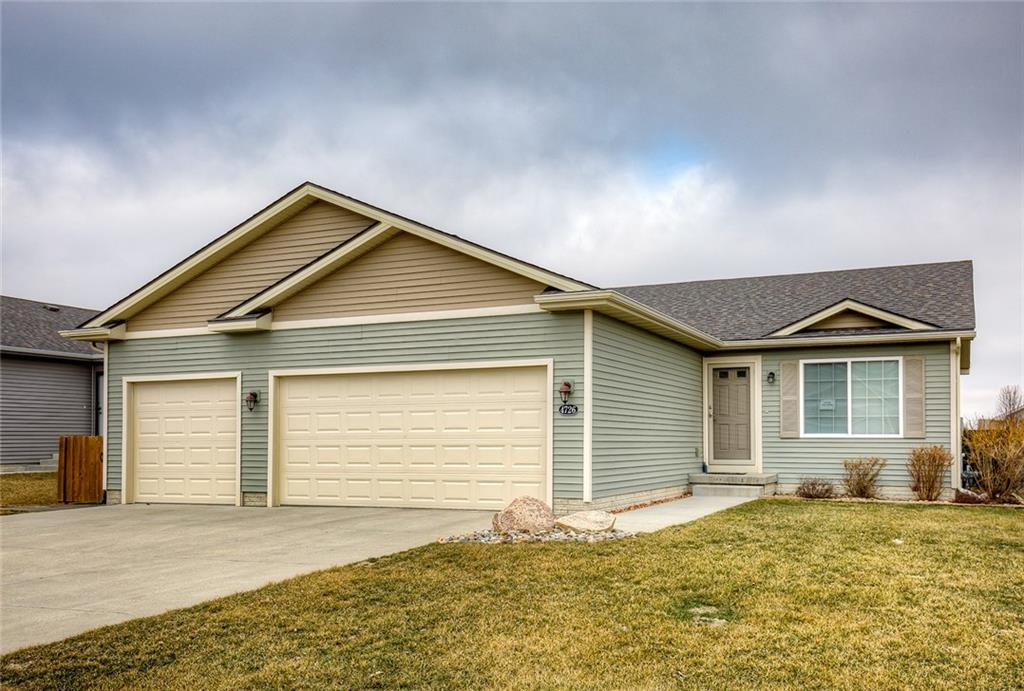 Photo of home for sale at 4726 Valdez Drive E, Des Moines IA