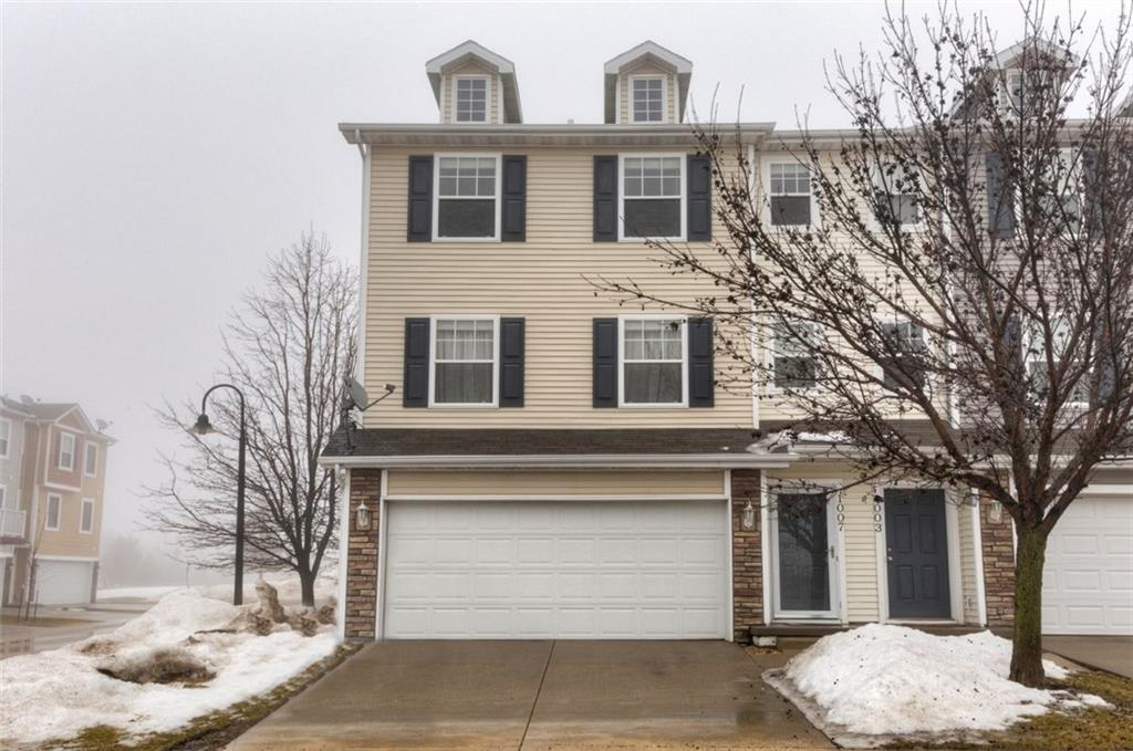 Photo of home for sale at 1007 48th Lane NE, Ankeny IA