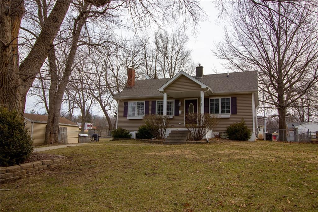 Photo of home for sale at 1129 67th Street, Windsor Heights IA