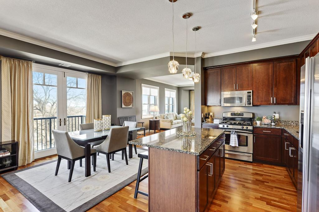 Photo of home for sale at 370 Marshall Avenue # 509, Saint Paul MN