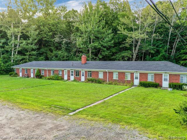 Photo of home for sale at 3650 Morton Taylor Road S, Canton Township MI